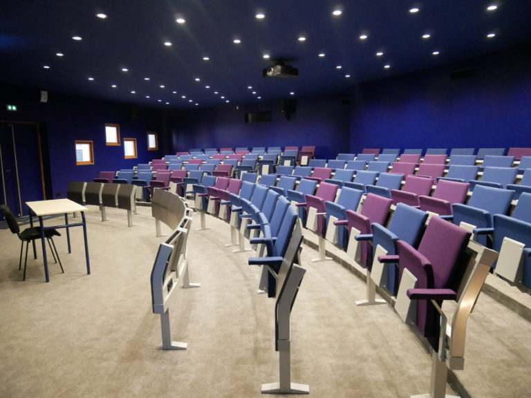 Cours-diderot-formations-BTS-bachelor-mastere-ecole-campus-montpellier-amphitheatre